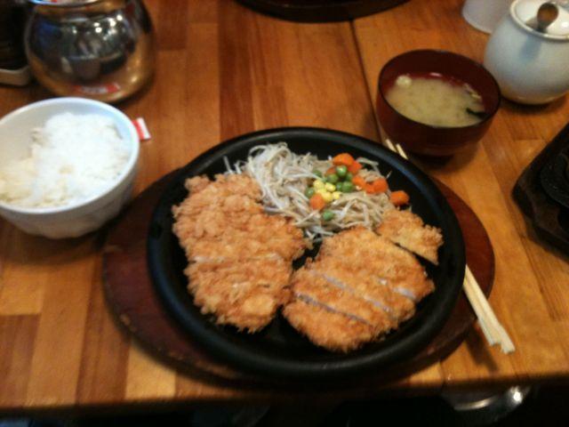チキンカツ定食 両国 加真呂(カマロ)
